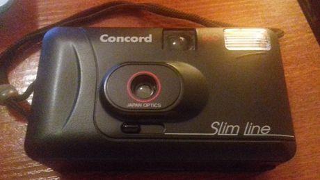 "Máquina fotográfica antiga - ""Concord - Slim Line"""