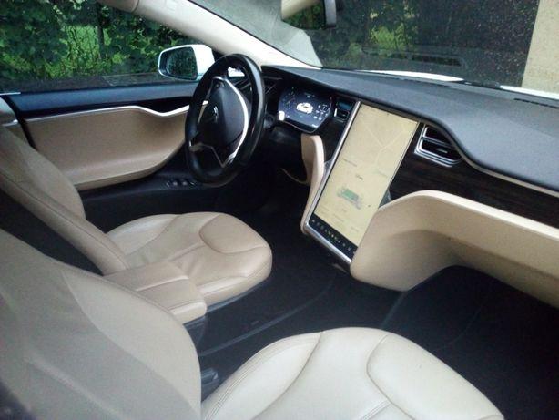 Tesla slub Auto do ślubu