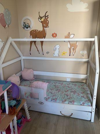 Łóżko domek dziecięce drewniane