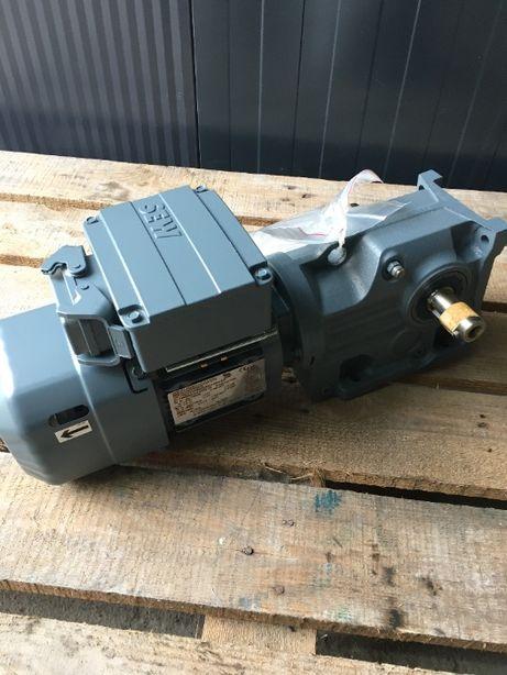 Motoreduktor SEW 68 obr/min 0,37 kW kątowy-nowy