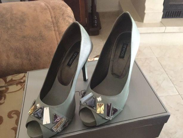 Sandálias de cerimónia