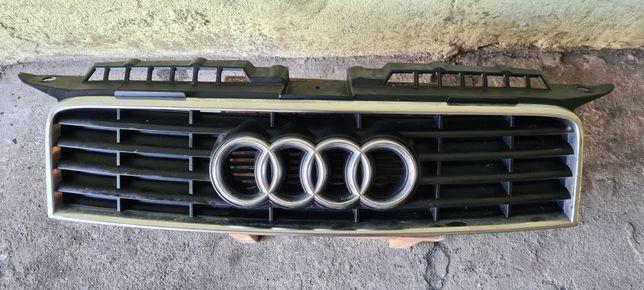 Grill/Atrapa Audi A3 8P