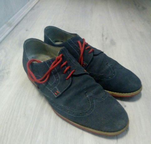 Продам замшеві туфлі