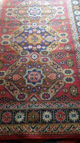 Продам килим в хорошому стані.