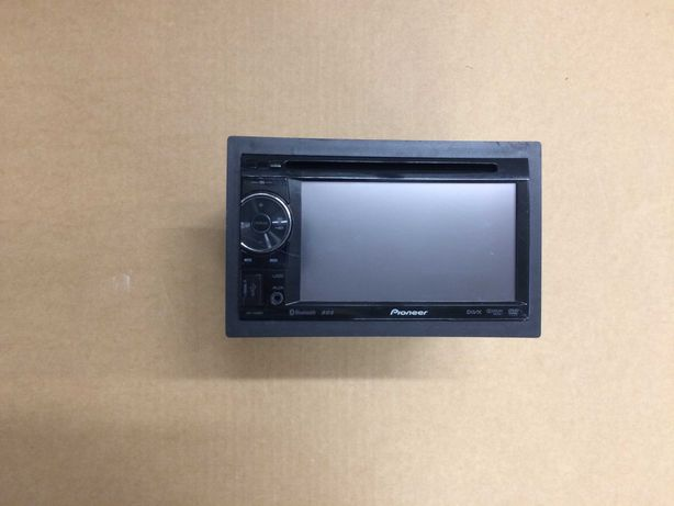 Radio DVD Pioneer AVH 2400BT + zmacniacz i subwoofer MTX 6000