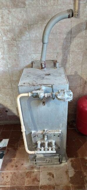 Продам газовый напольный котел
