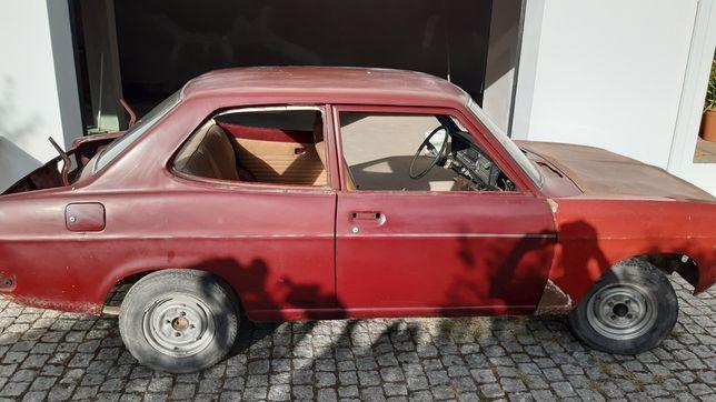 Datsun 1200, 2 portas de 1972.