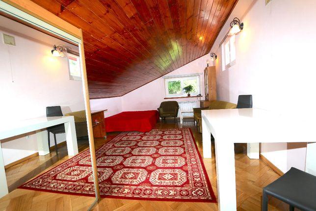 Pokój z kuchnią 48 m2; ogród