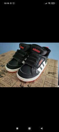 Buty przejściowe stan idealny adidasy Adidas rozmiar 20