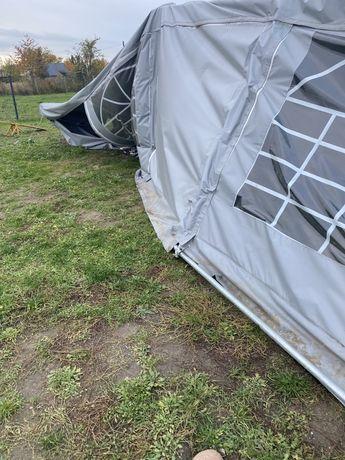 Uszkodzony namiot