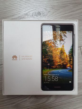 Huawei P9 + etui + słuchawki