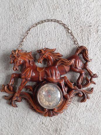 Zegar z końmi stary