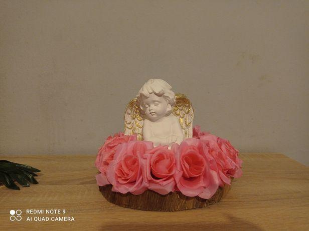 Stroik kwiaty z aniołkiem.
