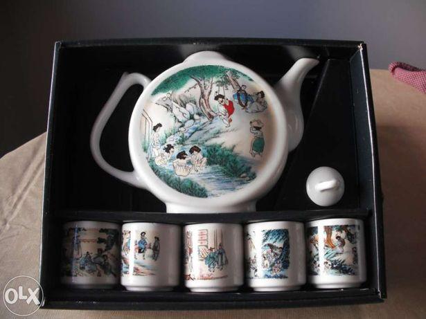 Loiça e Acessórios - Conjunto de Saquê Porcelana Japonesa
