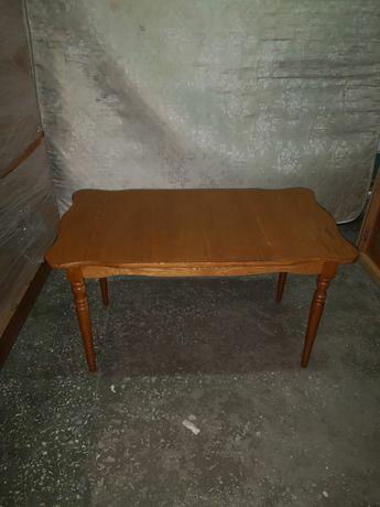 Стол журнальный деревянный лаковый