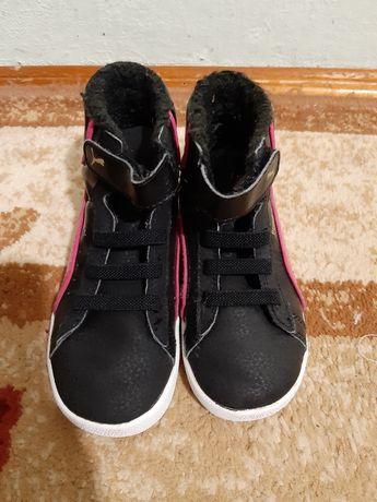 Теплые кроссовки для девочки фирма Puma