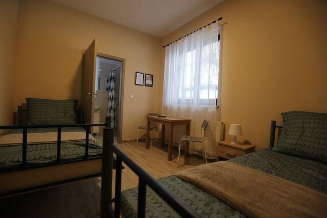 Pokoje 1-5 osobowe z łazienkami-Bankowa House-Zielonka k/Warszawy