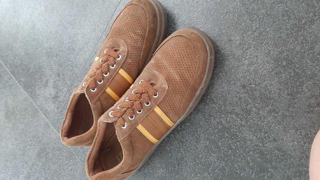 Pantofle chłopięce Reserved 37