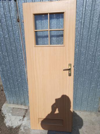Drzwi łazienkowe 70 niezniszczone.