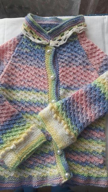 Вязанная кофточка для девочки