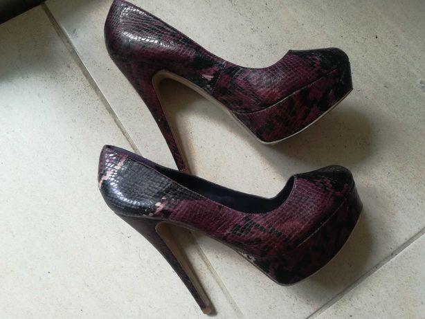 Sapatos altos ALDO