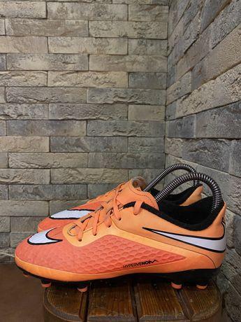 Детские футбольные бутсы Nike HyperVenom