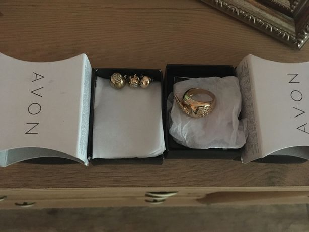 Nowa biżuteria Avon jabłuszka