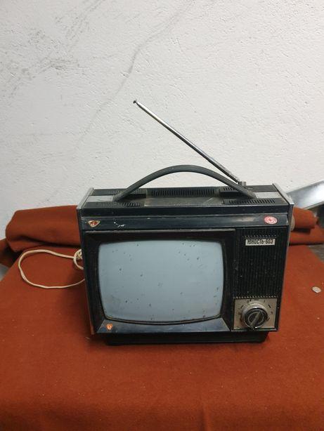 Telewizor z czasów ZSRR