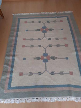 Carpete em lã - oportunidade