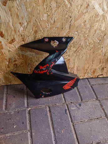 Czacha Bok Lewy Boczek Owiewka Plastik Wypełnienie Honda CBR 125 JC34