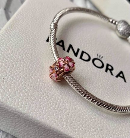 Charms zawieszka Pandora Różowy klips kwiat brzoskwini