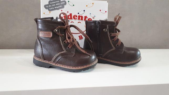 Продам детские ботинки для мальчика
