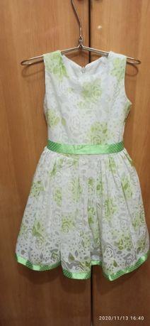 Продаю платье для девочки