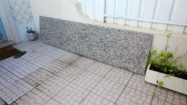 Pedra de cozinha e móveis