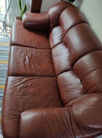 Sofá-cama usado em pele