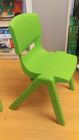 Krzesełko dla dzieci stabilne i solidne łatwe do dezynfekcji