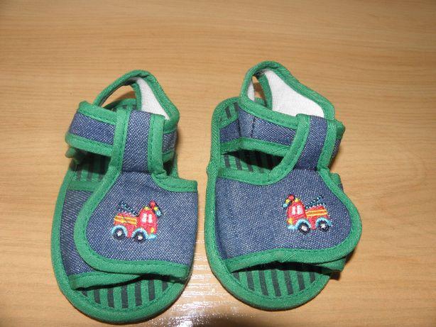 Sandałki niechodki dł. wkładki 11 cm, chłopiec