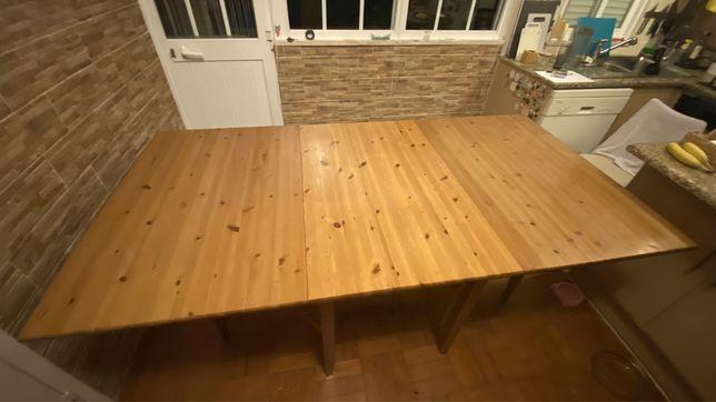 Mesa de refeições Ikea para 8 pessoas