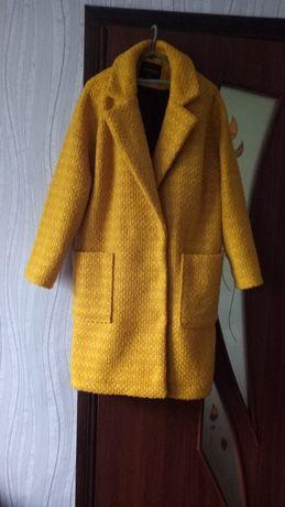 Шикарное жёлтое пальто TOP SECRET