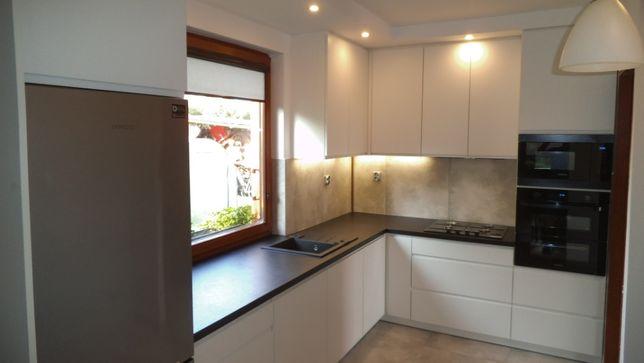 Stolarz - meble, zabudowy, kuchnie