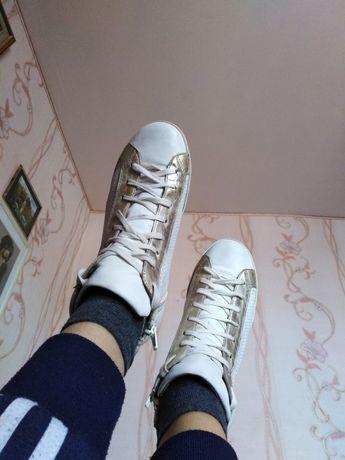 Обувь 38р,, двое,,