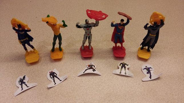 KINDER NIESPODZIANKA Justice League nowa seria