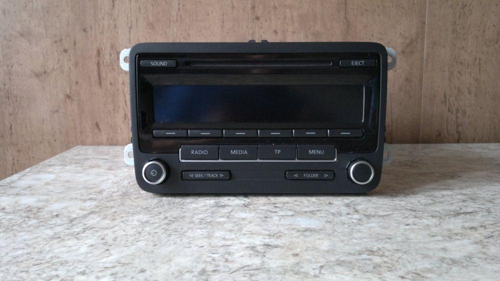 Oryginalne radio VW RDC310 z książką Golf Passat Polo stan idealny Zduńska Wola - image 1