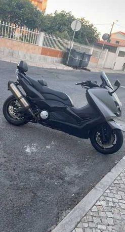 Tmax 530 Akaprovic