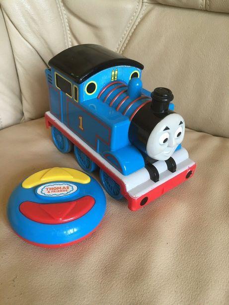 Pociąg Tomek i przyjaciele Lokomotywa Mattel sterowany na pilota gra