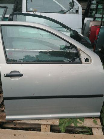 Drzwi VW Bora golf 4 kombi prawy przód lb7z kompletne
