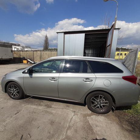 Toyota Auris 1,6 kombi - 23% VAT