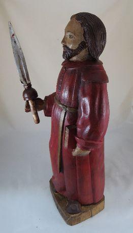Santo em madeira entalhada segurando uma espada-trabalho popular-64cm