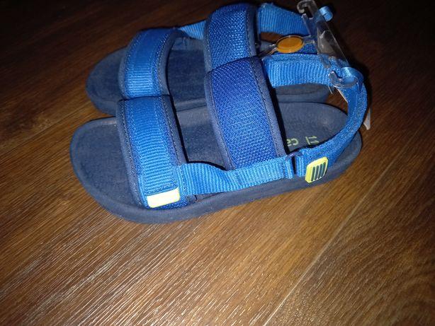 Босоножки сандалии Carters 18 см стелька 28 размер (11 размер Америка)