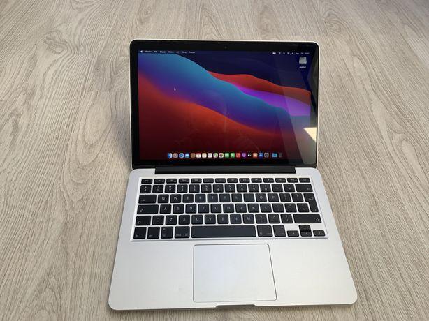 Apple MacBook pro 13,3 retina  model a1502 i5 8GB 256ssd